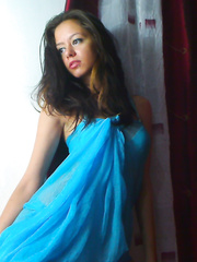 Young cam model a0Anisha2