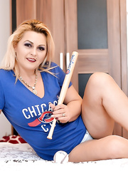 WetMilf: I like Chicago Cubs