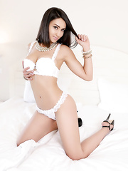 Beautiful webcam model AlisyaClark
